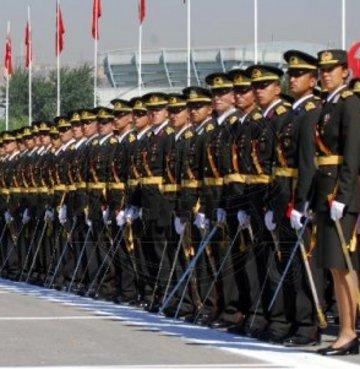 TSK'dan 3 yılda 13 bin 751 asker ayrıldı