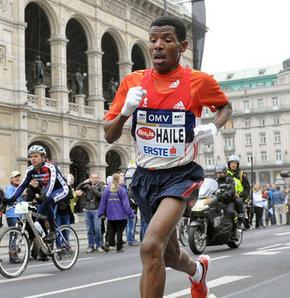Dünyanın en iyi uzun mesafe koşucusu unvanına sahip atlet Haile Gebrselassie ile New York'ta buluştuk..