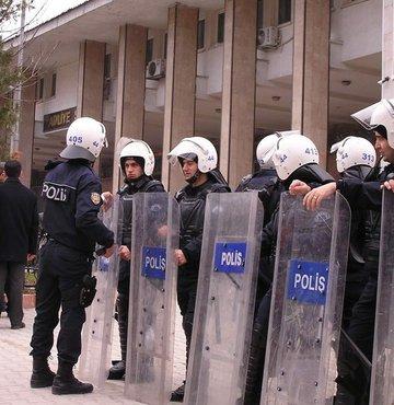 KCK'da 7 kişi tahliye edildi