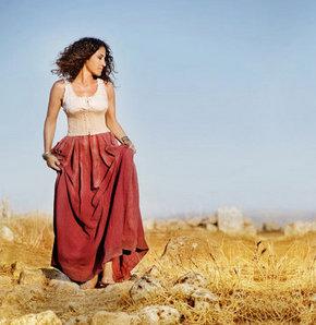 Kürtçe müziğin Türkiye'de ve dünyada en çok tanınan isimlerinden Aynur Doğan, Nisan ayında Türkiye'ye geliyor
