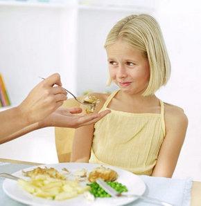 Beslenme bozukluğu ile ilgili açıklamalarda bulunan Prof. Dr. Yaşar Doğan, çocukların yeteri kadar kalori alamadığından veya sindirim sisteminden aldığı gıdaların emilip bozukluğundan dolayı çocukların kilo alamayacağını söyledi.