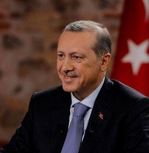 Başbakan Erdoğan canlı yayında gündeme ilişkin değerlendirmelerde bulunuyor.