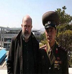 BBC muhabiri John Sweeney Kuzey Kore ile ilgili çekim yapabilmek için ülkeye öğrenci gezisi düzenlemekle suçlanıyor.