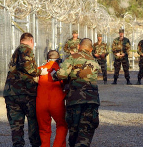 Askeri cezaevinde isyan