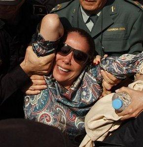 Ünlü İspanyol şarkıcıya kara para aklamaktan 2 yıl hapis cezası verildi