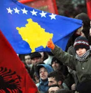 Kosova ile Sırbistan 10'uncu görüşmede 'Barış ve İşbirliği Antlaşması' imzaladı