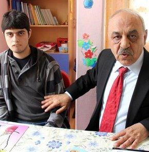 Adana Otistik Çocuklar Sağlık ve Eğitim Derneği Başkanı Sosyolog Fehmi Kaya, bütün otistik çocukların ateist olduğunu belirterek,