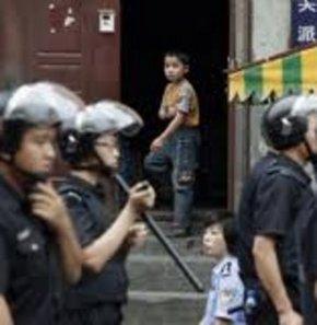 Uygur Özerk Bölgesi'nde katliam