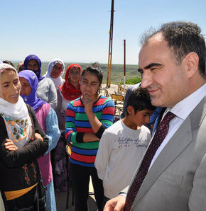 Şırnak Valisi vatandaşlarla Kürtçe diyalog kurdu