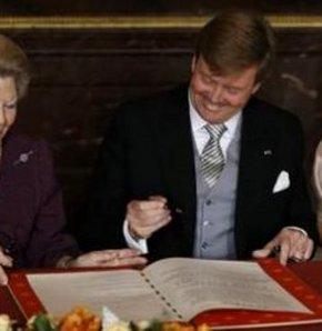 Hollanda Kralı Willem-Alexander, yemin ederek resmen görevine başlamış oldu