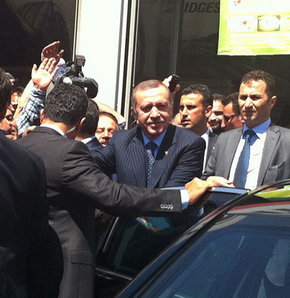 Başbakan Erdoğan'dan esnaf ziyareti