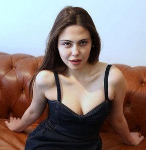 Merhamet dizisinin Şadiye'si Dilara Aksüyek HT Magazin'e konuştu