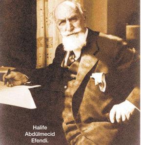 Son Halife yazıyor: 'Osmanlı, padişah dedelerimin içkisi yüzünden yıkıldı'