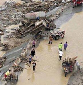 Çin'de şiddetli yağışlar ve buna bağlı seller yüzünden 33 kişi hayatını kaybetti