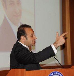 Bağış: Atatürk'ün karga kovaladığını ezberleten zihniyet...