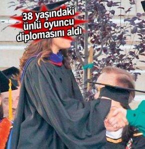 38 yaşında diplomasını aldı