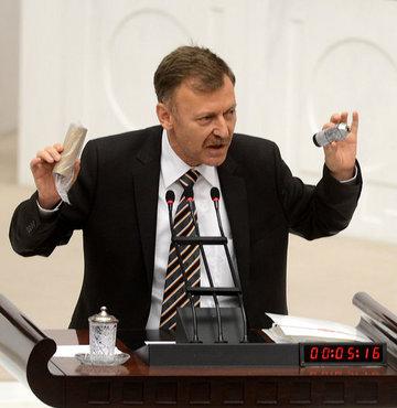 Meclis'te gaz bombası eleştirisi