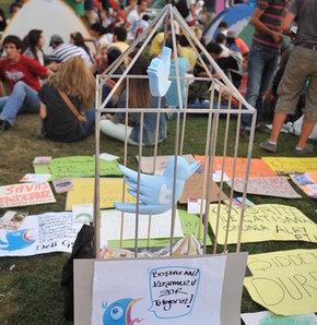 'Twitter kuşu'nu kafese koydular