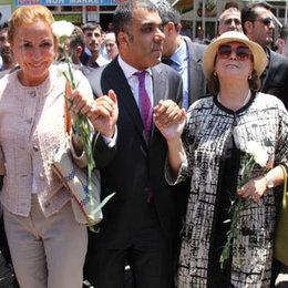 Cizre'de TÜSİAD halayı...