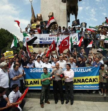 Türkiye'nin dört bir yanında Mursi'ye destek gösterileri!