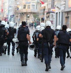 İstiklal'de polis müdahalesi