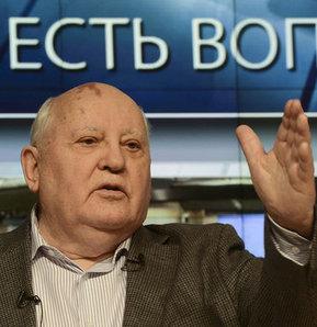 SSCB son lideri Mihail Gorbaçov (82),bazı internet sayfalarında öldüğü yönündeki iddiaları yalandı.