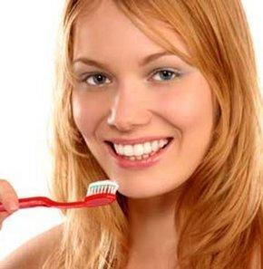 Diş fırçalamamanın birçok bedeli var