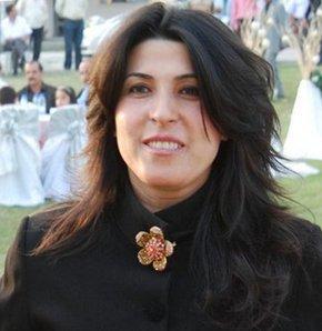 Hatay'ın Dörtyol İlçesi'nde 7 mart 2007 tarihinde öldürülen Delta Gaz Müdürü Ömer Cemil Sanal cinayetinde azmettirici olduğu iddia edilen Dörtyol'un Yeşilköy Belde Belediye Başkanı Fatma Görgen Selimoğlu ile kardeşi tutuklandı.