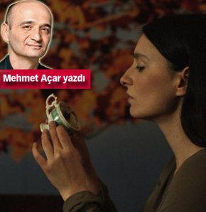 """Mehmet Açar Belmin Söylemez'in ilk uzun metrajlı filmi """"Şimdiki Zaman""""ı değerlendirdi"""