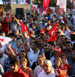 Büyük Demokrasi mitingi için kolları sıvayan Milliyetçi Hareket Partisi 5 Ekim için gün sayıyor
