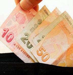 Lokantalar başta olmak üzere, seyyar POS cihazı kullanılan işletmelerde kredi kartıyla ödeme yaparken kasa fişi isteme devri bugünden itibaren kapanıyor. Artık, kredi kartıyla ödeme yapılan seyyar POS cihazı, yazar kasa işlevi de görecek.