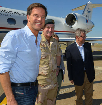 Hollanda Başbakanı Rutte İncirlik'te
