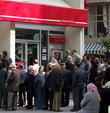 Bankalar emeklilerin peşinde!