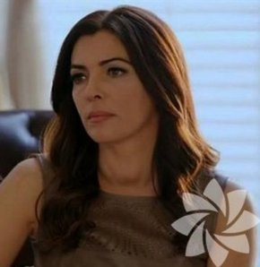 İntikam dizisinin sır küpü kadını Şahika Arsoy'un dizide giydiği kıyafetler...