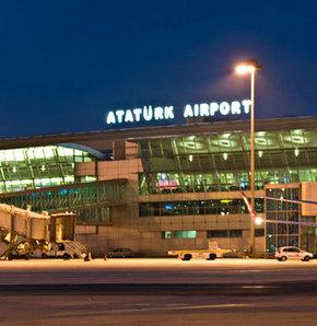 İki uçak Atatürk Havalimanı'na acil iniş yaptı
