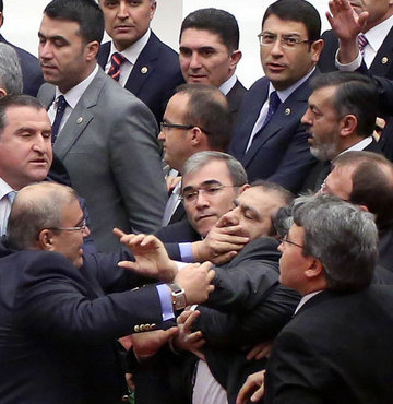 Meclis'te ağza alınmayacak küfürler