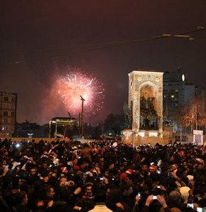 yılbaşı kutlaması türkiye ile ilgili görsel sonucu