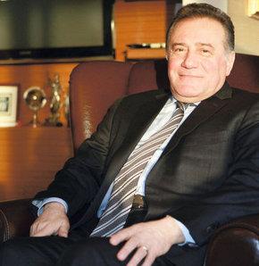 ahçeşehir Üniversitesi Mütevelli Heyeti Başkanı Enver Yücel eğitimi ve meslekleri değerlendirdi