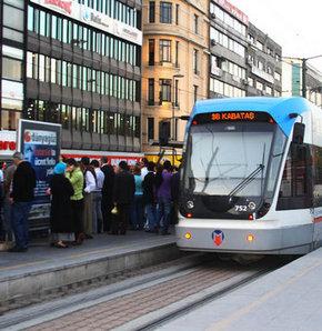 İstanbul'da elektrik kesintisi nedeniyle Bağcılar-Kabataş hattında tramvay seferleri yapılamıyor