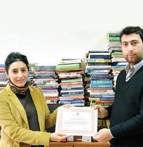 """Habertürk Genel Yayın Yönetmeni Fatih Altaylı ve çalışma arkadaşları """"Şehitler İçin 2015'te 1 Milyon Kitap"""" kampanyasına katıldı"""