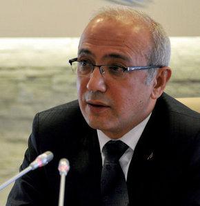 Ulaştırma Denizcilik ve Haberleşme Bakanı Lütfi Elvan internet düzenlemesi