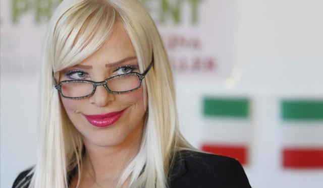 Cicciolina, Eski porno yıldızı Cicciolina, İtalya Yeşiller Partisi milletvekilli, Cicciolina'nın porno koleksiyonu