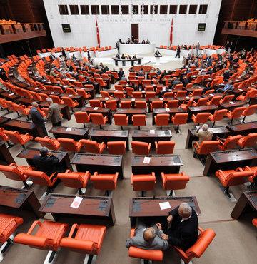 5 vekil HDP'ye geçti