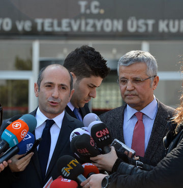 """""""RTÜK hükümetin sopası gibi"""""""