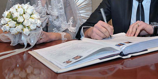 Ali Tezel, İş hayatı, köşe yazısı, Erkeğe ölen karısından dul aylığı