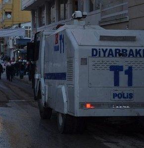 Diyarbakır'da polis müdahalesinde 10 yaşındaki Mehmet Ezer başından gaz kapsülü ile yaralandı Silvan'da polis müdahalesi