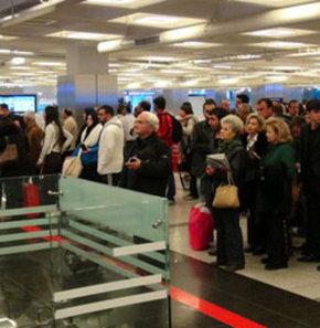 atatürk havalimanı,30 mart seçim,Havalimanında seçim yoğunluğu,havalimanı,seçim,oy,sandık