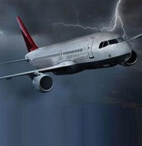 Trabzonspor'u taşıyan uçak Trabzon'a inemedi