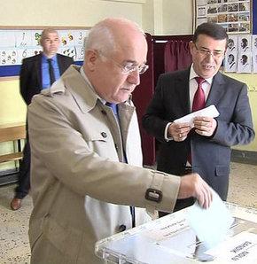 TBMM Başkanı,Cemil Çiçek,Şahin Sevin İlköğretim Okulu,30 mart,seçim,sandık,oy