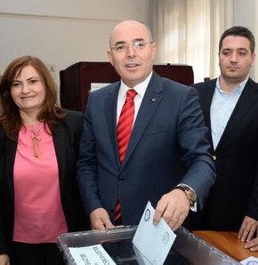 MHP Ankara Büyükşehir Belediye Başkan adayı, Mevlüt Karakaya,2014 yerel seçimleri, Ümitköy Anadolu Lisesi,